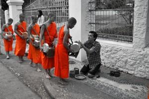 Monks accept morning offerings (Lubang Prabang, Laos)