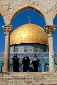 Three ladies leaving the Temple Mount (Jerusalem, Israel)