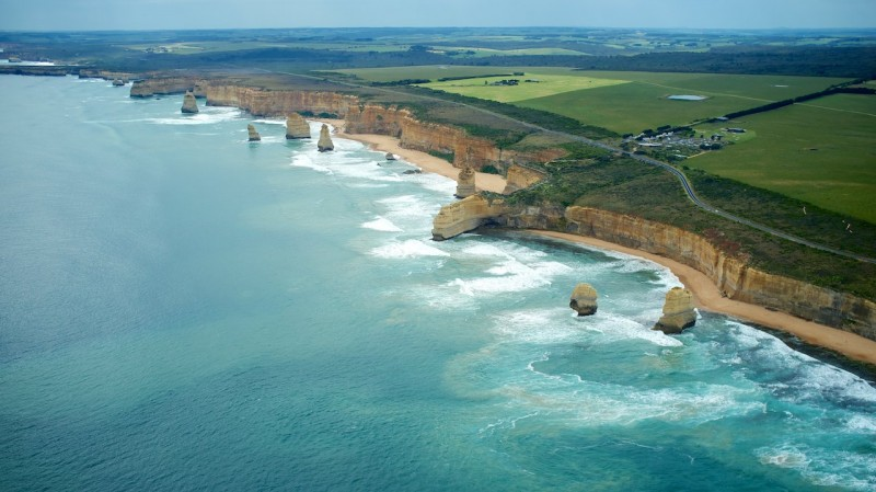 The Twelve Apostles on the great ocean road (Port Campbell NP, Australia)